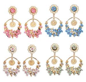 패션 여성 귀걸이 쥬얼리, 목가적 인 복고풍 과장된 꽃 대형 링 귀걸이, 고품질의 새로운 귀걸이