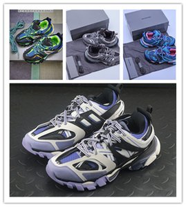 2020 Triple-s designer Paris 17FW Triple s Sneakers for men women black red white green Casual Dad Shoes tennis increasing sneakers