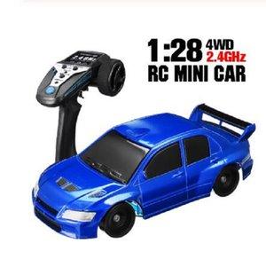 2020 Yeni 1 Adet TRQ1 2.4G RC Araba 1:28 Mini Drift RC Araba Yüksek Hızlı Araba Uzaktan Çocuklar için oyuncaklar yarış Sürüklenen Oyuncak kontrol