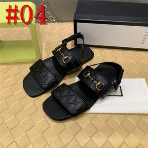 19FS schwarze Pantoffel nativen Gummi Größe 46 lässige Herren Sandalen 2019 Sommer im Freien großen Flachschiebern Schuhe italienisch 47 roten Wasser-Designer