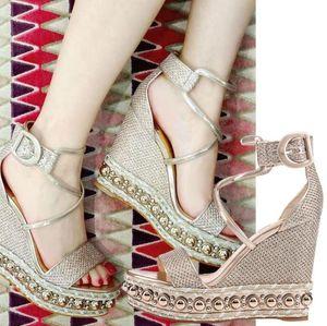 Ünlü Kırmızı Alt Ayakkabı Kadın Chocazeppa Altın Glitter Deri Sandalet Yüksek Topuklu Ayak Bileği Kayışı 2019 tasarımcının Lüks Çiviler Seksi Abiye