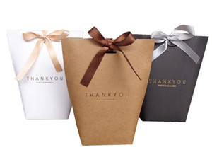 New Merci Thank You Cartón de regalo Panadería Panadería Bolsa de papel de cartón con arco Bolsa de regalo de compras Suministros para fiestas en el festival Envoltura de regalo 13.5X16.5 cm DHL