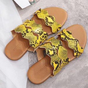 Chaussures d'été Femmes serpent Grain floral Sandales plates avec des toboggans d'été Slipper Chaussures Snake-imprimer Word avec Sandales Taille Plus