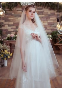 New Simple And Stylish Design Phantom Gauze Romantic White Ivory Wedding Veil Fingertip Length Cut light Edge