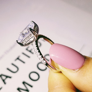 Kadınlar Lüks Emerald için Orijinal 925 Gümüş nişan düğün yüzükleri 4CT Simüle Elmas Platin Takı boyutu 5-10 kesti