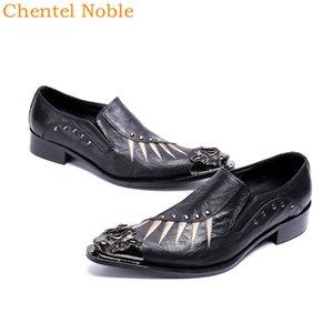 Mais recente manual Chentel Noble Cavalheiro Metal Head Fashion Dress Mens Shoes Genuine Rivet couro bonito Mens Shoes Low Heel
