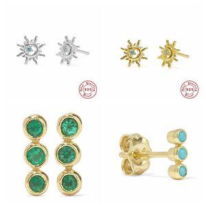 реальное серебро 925 ВС цветок серьги стержня для женщин Серьги Три зеленые камни в одной строке Earing A30