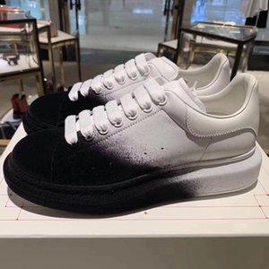 Luxo Homens Mulheres Platform Sneaker desenhista calça de veludo pulverizador couro de bezerro Lace-up instrutor Men festa de casamento sapatos de camurça Sneakers Desporto