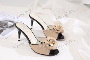 Chanel shoes faire ressortir les dames de luxe à la mode et de luxe portent des pantoufles, semelle extérieure est en caoutchouc résistant à l'usure, la taille 35-39