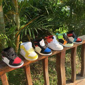 Lactentes Sneakers 1 Mid SE GS Preto Aurora Verde Opti amarelo J I Mid Laranja Volt Chicago Preto Toe incompatibilidade Tema Shoe Floral Bordados Crianças