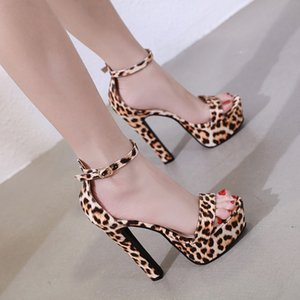 Alluring2019 Sexy piattaforma impermeabile ruvida stampa leopardo vento Una parola porta in alto con sandali 0083-020