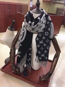 Şık kadın kış atkı. Yüksek dereceli giyim mükemmel uyum yumuşak ılık iki renkli kaşmir atkı. Moda kaşmir pamuk şal