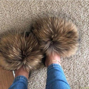 Real Waschbär-Pelz-Hausschuhe Frauen 2020 Sliders Gelegenheits Haar-flaches Fluffy Fashion Home Sommer-große Größe 45 Furry Flip Flops Schuhe