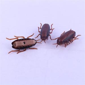 Vibrazione Crawl scarafaggio giocattolo di plastica novità Nero-Beetle giocattoli 6 * 3 * 2cm Piccolo ed elegante portatile parodia prodotto Vendi bene