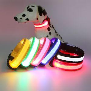 LED 조명이 개 칼라 나일론 멀티 컬러 빛나는 애완 동물 칼라를 걷기 위해 밤에 빛을 걷고