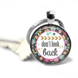 Seien Sie glücklich Schlüsselkette - Das Leben ist gut, Freigeist - Schauen Sie nicht zurück - Genießen Sie heute, Positive Schlüsselkette. 5 Möglichkeiten. Sweet 16 Geschenk. Tochter