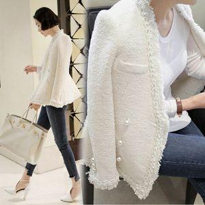CBAFU siyah beyaz tasarım bayan sonbahar kış inciler kadın sıcak tüvit ceket N748 casaco paltoları püskül yün ceketler kadın kat