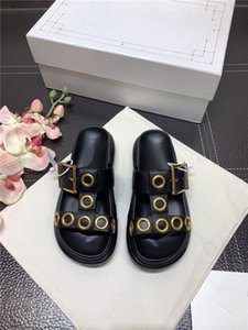 2020 Women Sandals with Box Dust Bag , Round toe Oversized rubber sole Hybrid Slide Summer Wide Flat Sandals Slipper with gold hardware