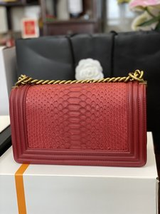 The new classic lady's handbag 7A high-end custom quality single shoulder bag fashion trend business casual style gold metal accessories wit
