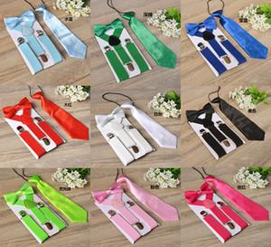 17 couleurs Enfants 3pcs Suspenders / Set Enfants étudiants Accolades Bow Tie Set Bowtie Tout-petit Couleur unie Ensemble en tissu pour les garçons filles M1241