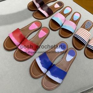 Tie Dye sandalias de diseño en venta en colores pastel rosa diseñador Sandalias Diapositivas para mamá verano y su adecuación a la hija diapositivas en Tie Dye Prints