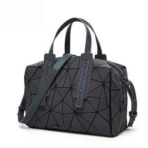 New Fashion Messenger Bags Mulheres Luminous Bao sacola Lantejoulas Ombro Geometric Bags Plain Folding bolsas de embreagem saco 2019