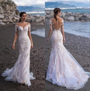 2020 Sheer mangas compridas Lace Mermaid Beach vestidos de noiva Jewel Neck apliques Illusion Trem da varredura Dubai vestidos de noiva com botões BC2299