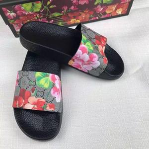 Designer Chaussures Unisexe Casual Plage Pantoufles Floral Logo Sandales Femmes Hommes Summer Slip Ourdoor Indoor Slide avec Box Comfort Sandal