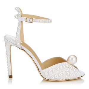Con caja Zapatos de cuero genuino Peep toes zapatos de tacón alto de cuero de oveja bombas zapatos de vestir de novia para novia hebilla correa sandalias de perlas zy492