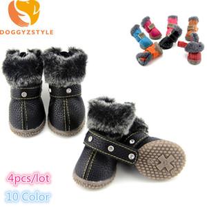 4 unids / set Invierno Mascotas Zapatos de Perro A Prueba de agua Cálido Botas de Nieve Para Perros Pequeños Chihuahua Antideslizante Zapatillas de deporte Mascotas Al Aire Libre Suministros de Suministros