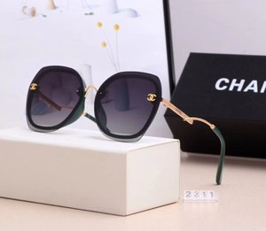 Les verres polarisés de haute qualité pour des hommes et des lunettes de soleil de lunettes de sport rétro design de femmes viennent en 5 couleurs