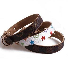 클래식 패턴 PU 가죽 브랜드 애완 동물 목걸이 조정 디자이너 애완 동물 개 액세서리 야외 귀여운 개 목걸이 도매