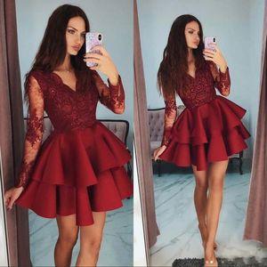 Borgoña cortos 8vo grado Fiesta Vestidos de raso vestido de fiesta 2020 Modest Sheer mangas largas Apliques cóctel de encaje