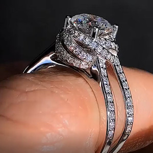 Euramerican Feminino Clássico Micro-inlay Zircon Anéis Personalidade Moda Anéis de Noivado De Casamento para As Mulheres Do Partido Jóias Anel