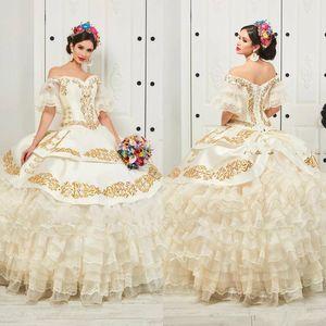 Volants Floral Charro Quinceanera Robes 2020 à l'épaule Jupe gonflée Gold Broderie Perles Princesse Sweety 16 Filles Masquerade Robe de bal