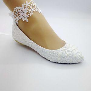 Handgemachte weiße Spitze mit Schuhen der Frauen Schuhe Bilder zeigen Bridesmaid Braut Hochzeit Schuhe weichen Boden flachen Absätzen