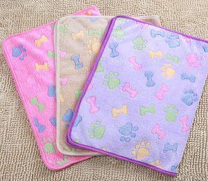 76*52cm Pet Paw Prints Blankets Mats for Pet Hamster Cat and Dog Soft Warm Fleece Blanket Mat Bed Cover GGA2954