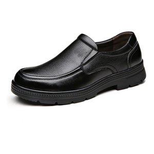 2019 Новое прибытие Мужская обувь Мужчины Бизнес Dress Up Leather Shoes Тройной черный Зимний Плюс бархат корейский Повседневный обуви