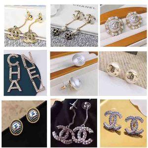 charme des prix de gros dormeuses avec le diamant de couleur en deux paires pour les femmes boucle d'oreille bijoux cadeau de mariage PS5685A livraison gratuite