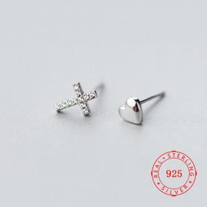 Los más vendidos artículo pequeño Pendientes mejor regalo de plata esterlina cruz del corazón de Lady 925 Mini fresco CZ Oído fábrica de joyas pendiente de yiwu