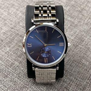 2010 Moda Yeni tasarım Erkek / kadın İzle Gümüş Paslanmaz çelik üst Kalite severler Man Kuvars lüks iş klasik saati saatler saatler