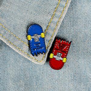 Crack Skateboard-Broschen für Frauen rot und blau Emaille Pin Stitching Abzeichen Ehrennadel Hemdentasche Geschenk Schmuck Hip-Hop-Punk-Stil