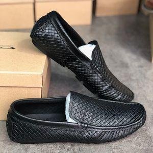 Hombres de diseno tejida zapatos se deslizan en los zapatos mocasines de conducción pisos ligeros ocasionales de cuero barco zapatos zapatillas de deporte para caminar