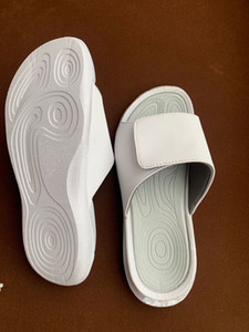 2020 new arrival men women cheap high quality full white leather bubble sole slippers home shoes