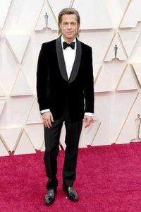 Brad Pitt 2020 Oscars Mens Tuxedo Suits Stattliche Mens schließen Entwerfer-Smoking / Bräutigam Sets Bussiness Männer Anzüge (Jacke + Hose + Bow)