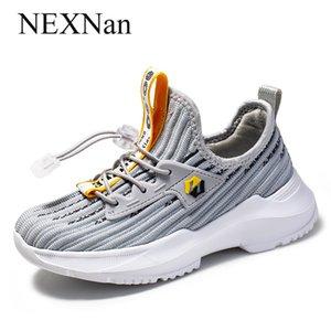 Ragazzi Sneakers bambini Shoes Casual per bambini delle scarpe da tennis dei pattini delle ragazze fascia elastica scuola Calzature Sport Outdoor Mesh Gomma Tpr