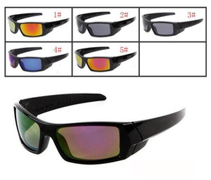 MOQ = 10PCS Sonnenbrille der Sommer-klassischen Art-Männer neue Farben-Sonnenbrille-Schwarz-Rahmen-Acrylflammen-Objektiv UV400 Gläser geben Verschiffen frei