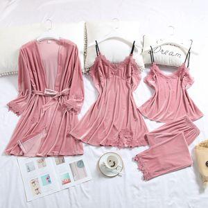 Pijamas de cuatro piezas juego atractivo de las ligas de terciopelo del oro Mujer Otoño camisón largo con un traje de terciopelo del cojín del pecho