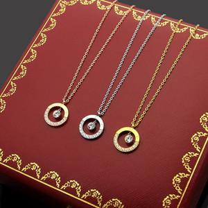 Kommen neue Art und Weise Dame 316L Titanstahl 18K überzog Goldketten mit einzelner Diamant und Diamant-Halbzyklus Kreis Schraube Anhänger 3 Farbe