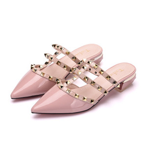 Riveted sandals, single shoes, pointed fashionable low-heeled thick-heeled shoes (Buy 10 and send one glasses)
